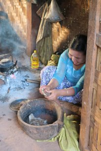 preparing sticky rice
